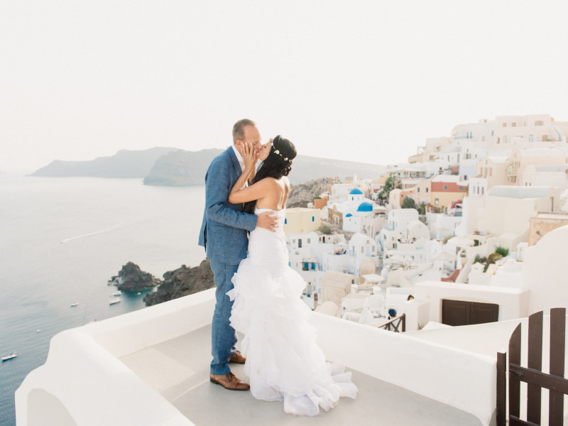 Romantic Santorini Wedding // Stella + Ulf
