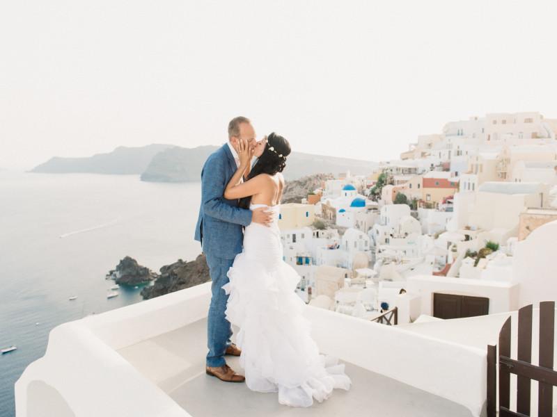 Romantic Santorini Wedding // Stella + Ulf