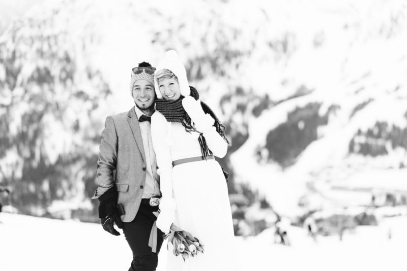 ski wedding couple portrait