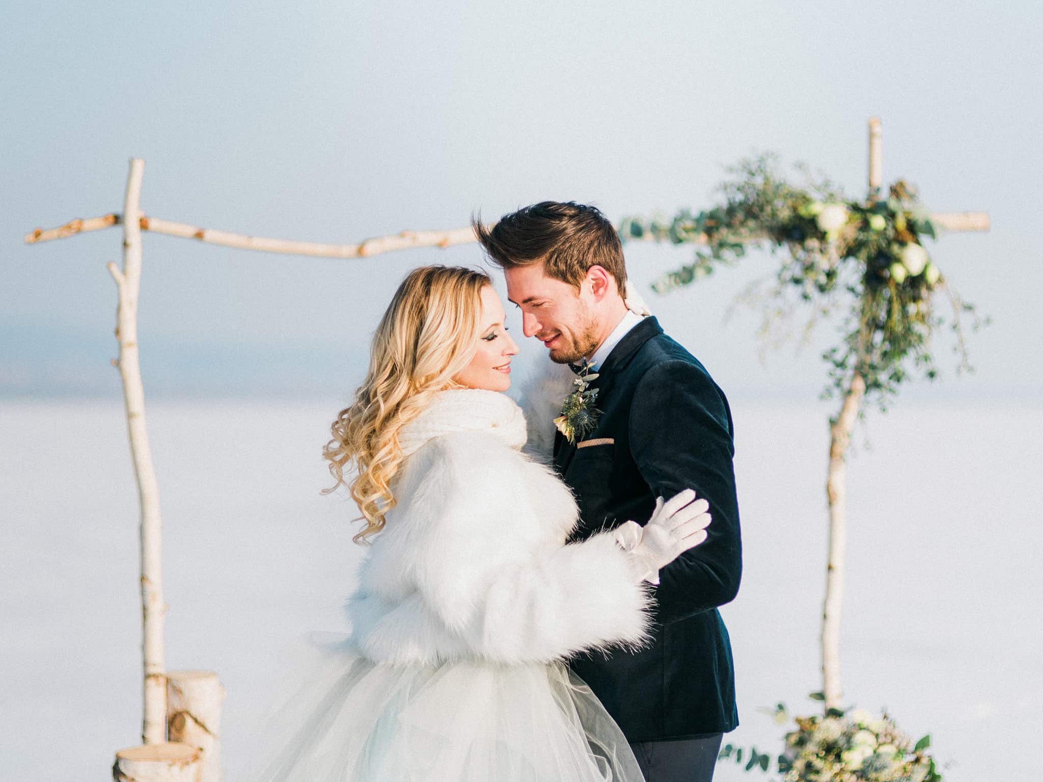 30_wedoverhills_elopement_inspiration_love
