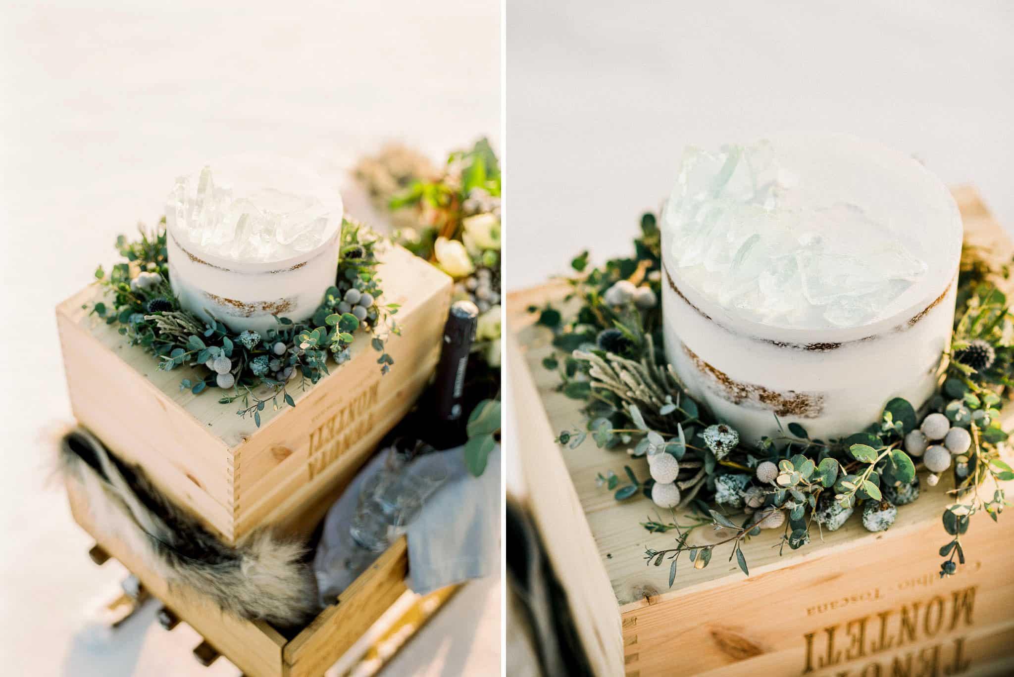 40_wedoverhills_elopement_cake_icing