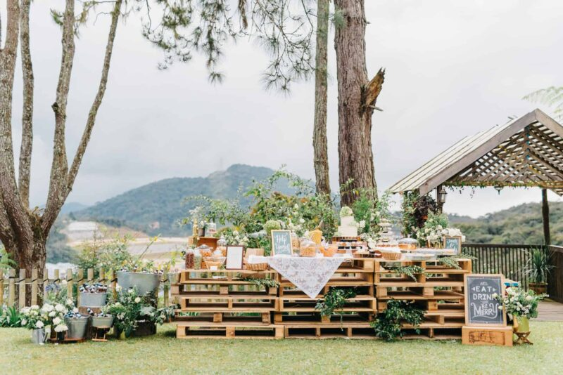 jim thompson cottages wedding decor