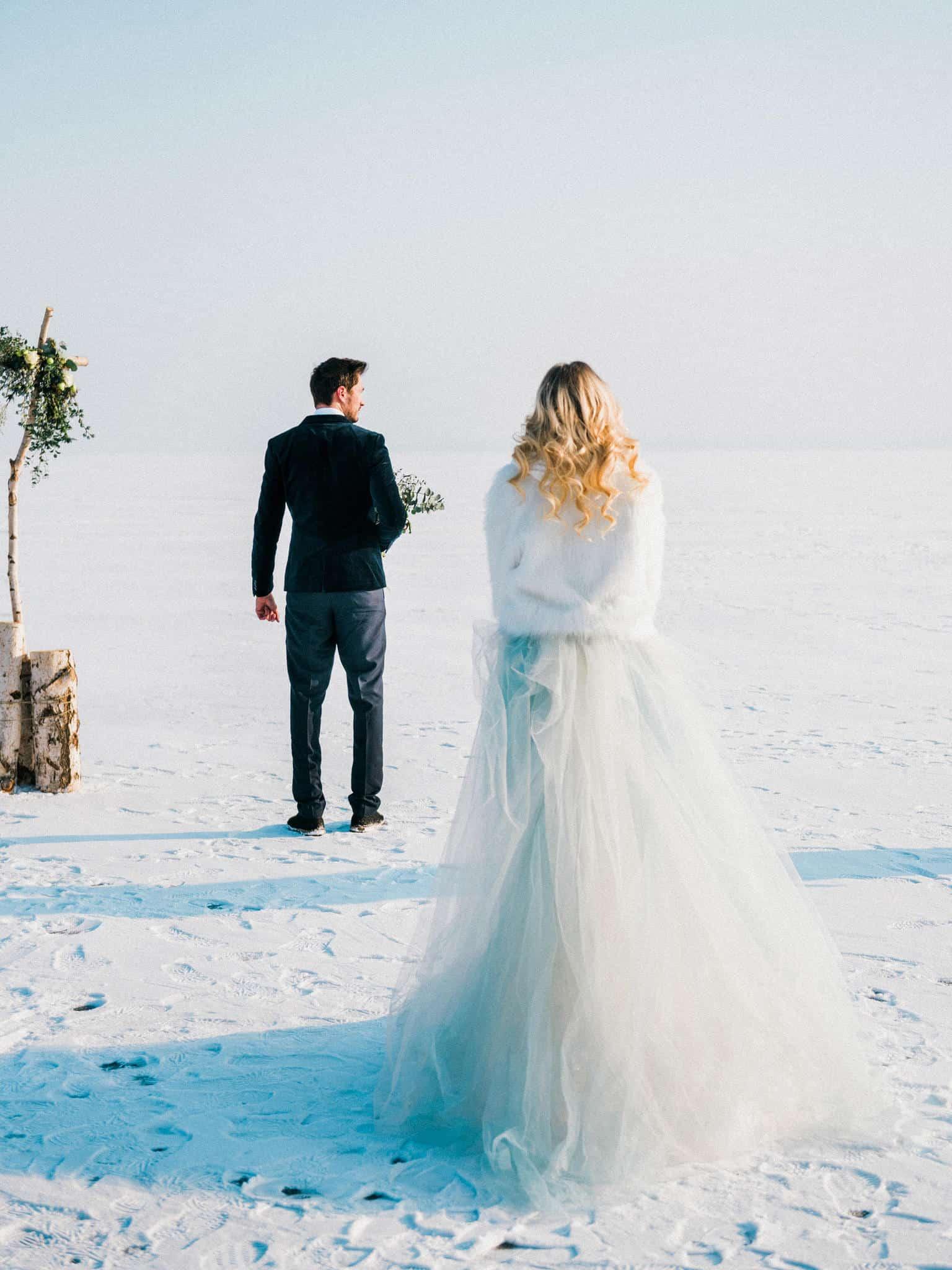 12_wedoverhills_elopement_inspiration_first_look