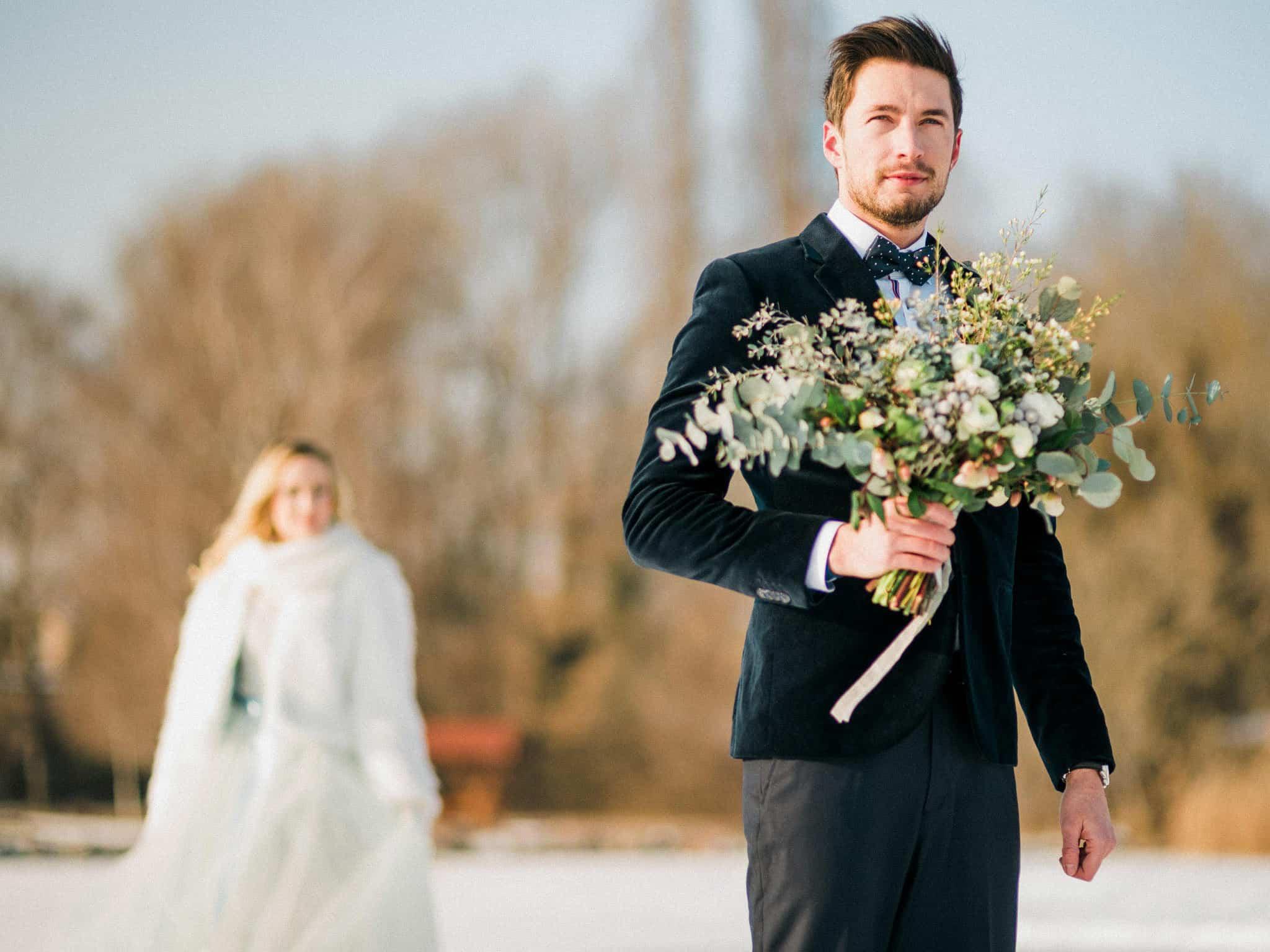 13_wedoverhills_first_look_bouquet